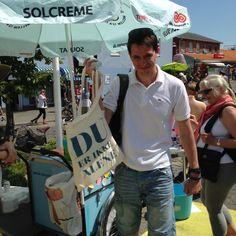 Christian vandt nøgle-konkurrencen hos kb og fik en mulepose med solgaver, kogebog og andre gode sager.