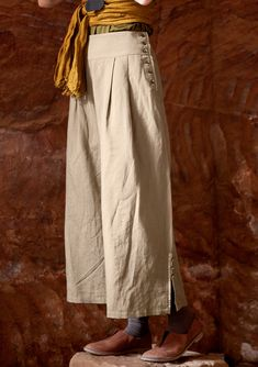 Trousers in cotton & linen – Trousers – GUDRUN SJÖDÉN – Webshop, mail order and boutiques | Colourful clothes and home textiles in natural materials. Cropped Linen Trousers, Wide Leg Linen Pants, Wide Trousers, Sailor Pants, Sewing Pants, Sewing Clothes, Gudrun, Fashion Outfits, Womens Fashion