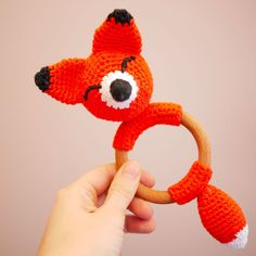 Hochet en bois Anneau de dentition avec un renard en crochet   Etsy
