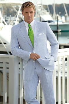 100% made in Italy men's suits from the collections of Cleofe