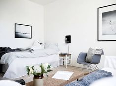 A light Scandinavian studio apartment (photography by Jonas Berg for Stadshem) Interior Architecture, Interior Design, Tiny Apartments, Sweet Home Alabama, Blog Deco, Decorating Small Spaces, Minimalist Living, Beautiful Interiors, Home Fashion