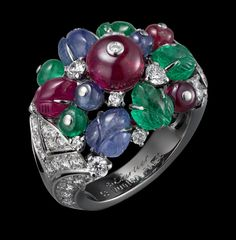Indian Influences – High Jewelry Ring Platinum, mandarin garnets, pink tourmalines, tanzanites, tsavorite garnets, yellow diamonds, brilliants.