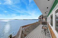 Stunning Views Oceanfront Beach House~10 Min Dwntown Seattle   - Johna Beall Real Estate in Seattle