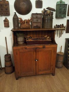 .I like the little spice cabinets