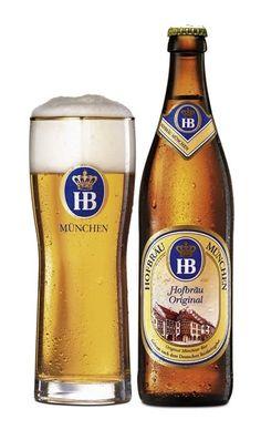 Cerveja Hofbräu Original, estilo Munich Helles, produzida por Hofbräuhaus München, Alemanha. 5.1% ABV de álcool.