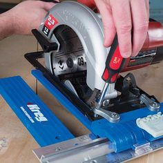 The Kreg Rip-Cut™ features a durable design that includes a solid-aluminum guide rail, an easy-to-read adjustable scale, and a reversible guide arm that works whether you're right- or left-handed and whether your blade is on the right or left side of the saw.
