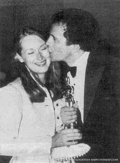Don gummer kisses wife meryl streep academy awards Big Little Lies, My Little Girl, Web Therapy, Academy Award Winners, Academy Awards, Golden Globe Nominations, Great Films, Meryl Streep, Best Actress
