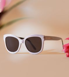 You'll stand out in bold fashion wearing these sunglasses, created by BonLook in partnership with Canadian gold-medalist ice dancer Tessa Virtue. We're loving this style in its Latte colourway, a warmer, creamier hue that pairs with just about anything in your closet. These oversized acetate sunglasses frames are a great way to glam up your look.