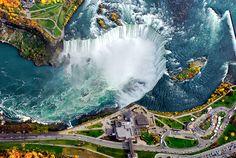 Niesamowity wodospad Niagara znajdujący się na granicy Kanady