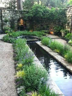 Affordable Small Backyard Landscaping Ideas 16 #Formalgardens