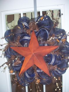 Western/barn star mesh wreath by Ginaswreaths on Etsy. I LOVE mesh wreaths!