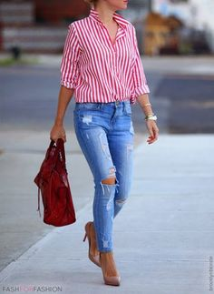 Shirt and ankle boots with ripped jeans