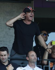 Steve Perry REALLY likes SF Giants  2014 NLDS