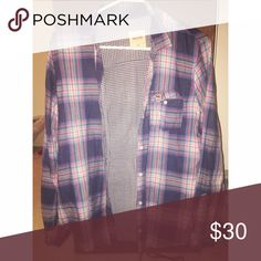 💜plaid button up💜 Brand new perfect for fall! Plaid button up size medium 💜 from hollister Hollister Tops Button Down Shirts