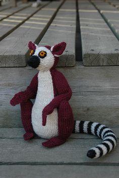 Free Pattern: Hococo the Lemur by Alan Dart