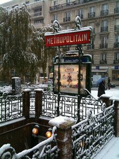 "Paris metro in the snow... Had an ""interesting"" experience on the metro"