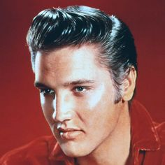 The Rockabilly style is a timeless look which adds a touch of edgy chic to women and men alike. Check out these awesome 140 Rockabilly hair ideas! Lisa Marie Presley, Blue Hawaii, Rockabilly Hair, Rockabilly Fashion, Rock Roll, Pompadour Style, Cabello Pin Up, Vintage Hairstyles For Men, Movies