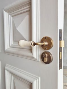 Samuel Heath P6973 Profile Door lever on a Chant Productions mortice latch. Satin nickle finish. Installed by The Tidy Tradie - Finishing Carpenteu2026 & Samuel Heath P6973 Profile Door lever on a Chant Productions ...
