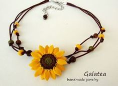 Sunflower necklace yellow flowers jewelry sunflower boho leather necklace floral statement jewelry summer bridesmaid sunflower bohemian DIY necklaces for summer - pretty designsHey girls! Body Jewelry Shop, Mom Jewelry, Cute Jewelry, Jewelry Gifts, Handmade Jewelry, Jewellery Shops, Sunflower Necklace, Sunflower Jewelry, Floral Necklace