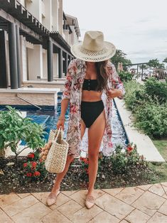 #GLAMTravelDiary: Royalton Negril, Jamaica - Oh So Glam  #HallmarkChannel #sweepstakes @hallmarkchannel Cancun Outfits, Jamaica Outfits, Summer Vacation Outfits, Honeymoon Outfits, Hawaii Outfits, Maui Vacation, Beach Outfits, Beachwear For Women, Poses