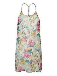 Summer dress in floral print from VERO MODA. #veromoda #fashion #dress #floral #summer