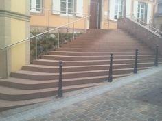 Bischoffsheim (67) - escalier en marches massives, dalles et couvertines en pierre : Grès de Champenay (Grès des Vosges) Stairs, Home Decor, External Staircase, Paving Slabs, Stone, Stairway, Decoration Home, Room Decor, Staircases
