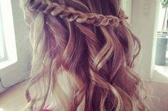 Beachy blonde hair do