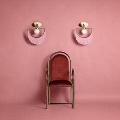 "Ana Milena Hernandez na Instagrame: ""Wink Wink Wink @houtique_ . . . . #masquespacio #pinklover #thepink #pinkroom #pinkvibes #interiordesignpink #interiordesignpinterest…"" Luminaire Design, Lamp Design, Set Design, Creative Studio, Tenerife, Dining Table Pendant Light, Luminaire Applique, Modern Tools, Spanish Design"