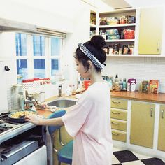 Kim Na Hee | pinkage ulzzang Hwa Min, Korean Girl Photo, Korean Ulzzang, Uzzlang Girl, Ulzzang Couple, Reality Tv Shows, Cool Hats, Girl Model, Asian Fashion