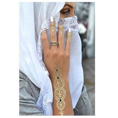 Waterproof accessories! The perfect way to wear jewellery at the beach. Intricate metallic coloured body art are a beautiful addition to your look day or night. Create a signature look with any one of these designs. Comes with 4 sheets, so you will never run out!
