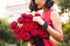 Carolina Herrera Look - Nicole Warne Gary Pepper Flowers For You, Love Flowers, Beautiful Flowers, Gary Pepper Girl, My Sweet Valentine, Hotel Paris, Color Rosa, Lady In Red, Red Roses