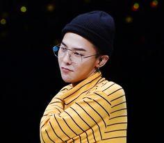 Ji-yongie - thekoreanbigbang:    GD with optical glasses   ...