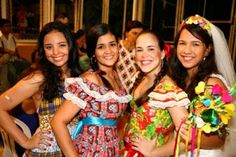 Provador Fashion: Roupas de São Joaão - Vestidos de quadrilha e Traje Masculino