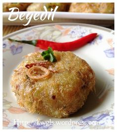Begedil - Malay deep fried potatoes patties well like by Singapore, Malaysia and Indonesia #begedil  #perkedel  #炸马铃薯饼