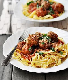 Fettuccine w/ Meatballs in Tomato Sauce