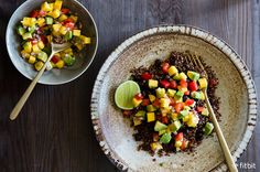 In search of a new healthy recipe to try out? This Quinoa bowl is a must for summer. #eathealthy #cleaneats