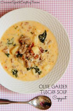 OIive Garden's Tuscan Soup Copycat. Sounds like a good use for kale. Would definitely use the evaporated milk, not cream. Olive Garden Tuscan Soup, Olive Garden Zuppa Toscana, Tuscana Soup Olive Garden, Cooking Recipes, Soup Recipes, Copycat Recipes, Tuscan Recipes, Sausage Recipes, Cooking Tips