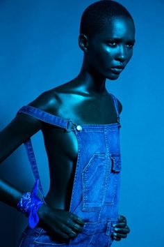 Ideas for fashion editorial art photography Black Photography, Beauty Photography, Editorial Photography, Fashion Photography, Photography Lighting, Photography Ideas, Portrait Lighting, Blue Is The Warmest Colour, Mode Editorials