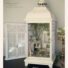 MiNiaTuRe BaCK YaRD Vitrine Miniature, Miniature Rooms, Miniature Crafts, Miniature Houses, Dollhous . Vitrine Miniature, Miniature Rooms, Miniature Crafts, Miniature Houses, Miniature Fairy Gardens, Miniature Kitchen, Fairy Lanterns, Christmas Lanterns, Lanterns Decor