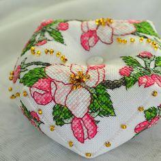 С нежной бискорню Apple Blossom от Faby Reilly  началась моя любовь к этой форме, с того момента, как я её только увидела.   Готовилас...