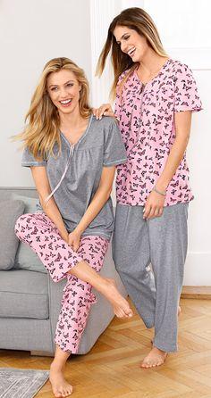 Sorgen für ein wohliges Frühlingserwachen: unsere Schmetterling-Schlafanzüge. #Wäsche #Schlafanzug