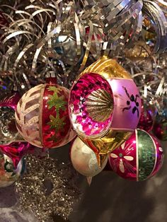 41 Vintage Christmas Ornament Ideas To Make More Perfect Your Home 41 Vintage Christmas Ornament Ideas To Make More Perfect Your Home <br> Antique Christmas Ornaments, Vintage Ornaments, Vintage Christmas Cards, Christmas Baubles, Christmas Crafts, Christmas Decorations, Christmas Villages, Vintage Santas, Christmas Cookies