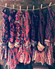 Flannel bridesmaid shirts for getting ready! Perfect for fall weddings.