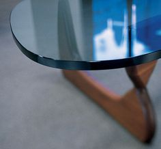 Naguchi table (Herman Miller)