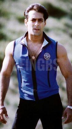 Bollywood Outfits, Bollywood Actors, Shah Rukh Khan Movies, Salman Khan Photo, Atif Aslam, Indian Star, Body Builders, Big Big, Handsome Actors