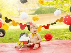 SMASH THE CAKE do Matheus – Kelli Homeniuk – Fotografia Profissional Baby Boy Pictures, Baby Photos, Circo Do Mickey, Cakes For Boys, 1st Birthdays, Cake Smash, Mickey Mouse, Disney Princess, Party