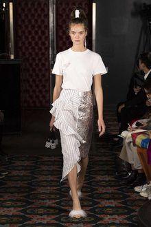 Lace Skirt, Sequin Skirt, Business Fashion, Catwalk, Runway, Spring Summer, Style Inspiration, Wall Street, Paris Fashion