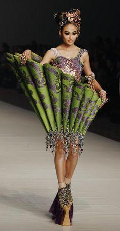 Guo Pei. Haute Couture. BoOm!