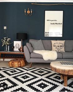 Living room painted in Farrow & Ball's Hague Blue ? Living room painted in Farrow & Ball's Hague Blue ? Navy Living Rooms, Dark Blue Living Room, Blue Living Room Decor, Living Room Colors, New Living Room, Home And Living, Living Room Designs, Wallpaper For Living Room, Blue Dinning Room