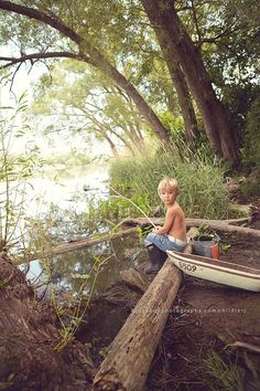 Country Kids in Rivers and Ponds / Gone fishing! Boy Pictures, Boy Photos, Family Photos, Toddler Photos, Children Photography, Family Photography, Photography Poses, Photography Magazine, Gone Fishing